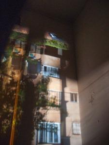 אשר גיבל, בית השכן באור היום - קמרה אובסקורה