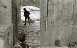 אשר גיבל, ילדים בעיר העתיקה, 1974
