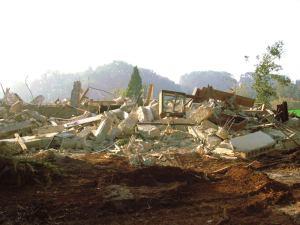 אשר גיבל, הבית האחרון שנהרס